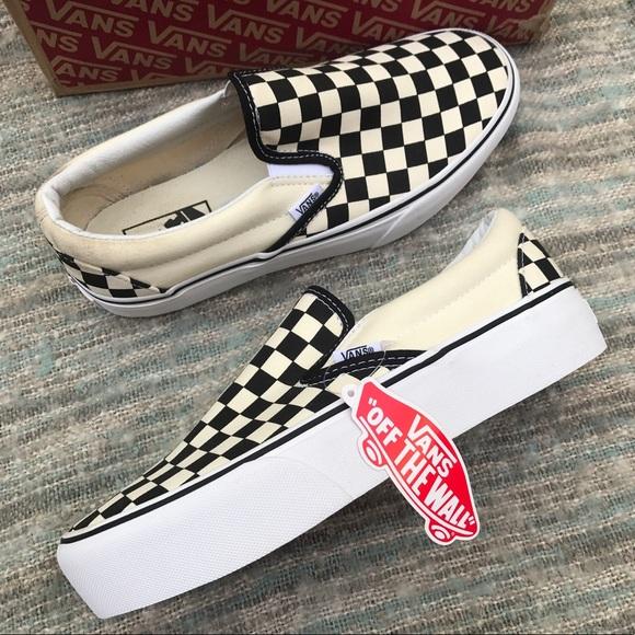 5972e5bc9722 NWT Vans platform checkered slip on black white. M 5bf9c09f951996b0c864e8c6